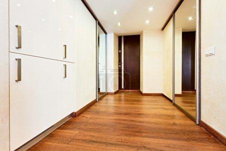 Moderno stile minimalismo corridoio...
