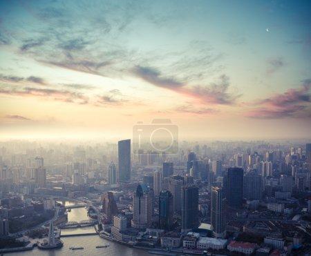 Shanghai al crepuscolo