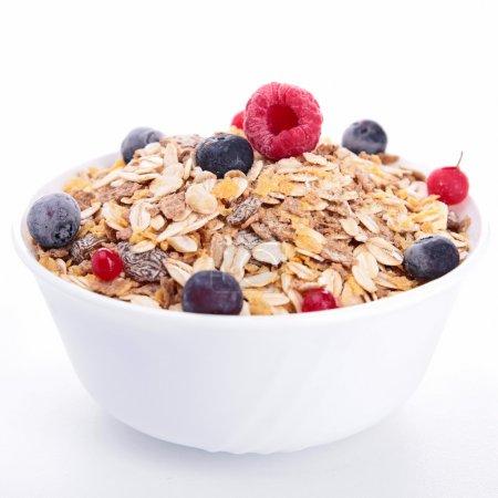 Ciotola di cereali e frutti di bosc...