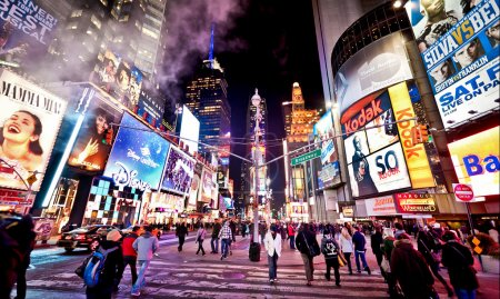 Times square, con i teatri di broad...