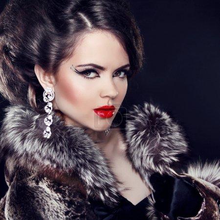 gioielli e moda elegante signora. b...