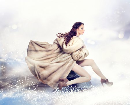 moda donna inverno bella in lusso v...