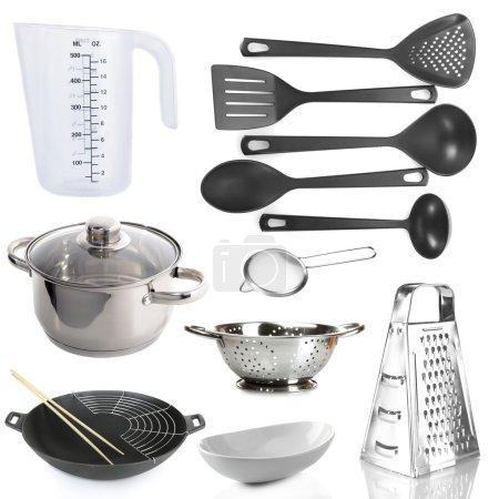 Ipastock utensili da cucina isolate - Utensili da cucina professionali ...