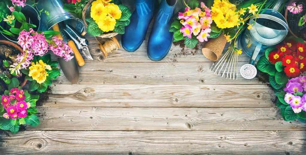 Ipastock attrezzi da giardinaggio e fiori di primavera for Giardinaggio e fiori