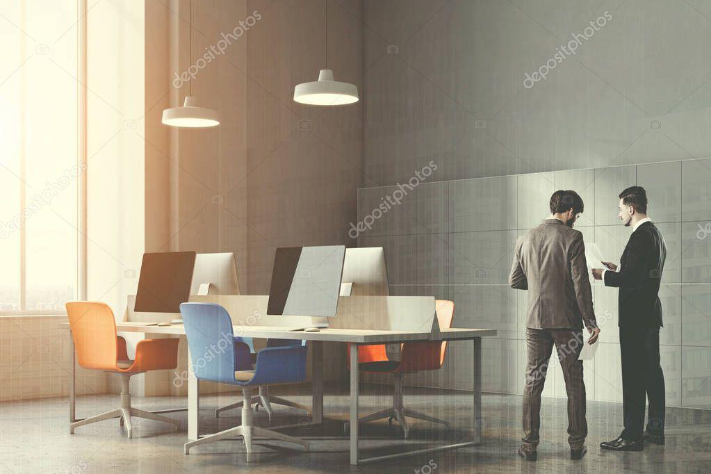 Ipastock angolo di arancione e blu sedie ufficio tonica for Sedie arancioni