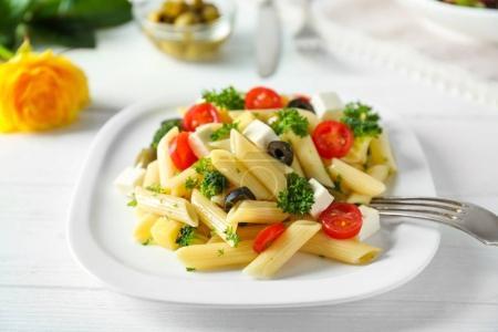 Ipastock insalata di pasta con i pomodori - Cucinare sano e gustoso ...