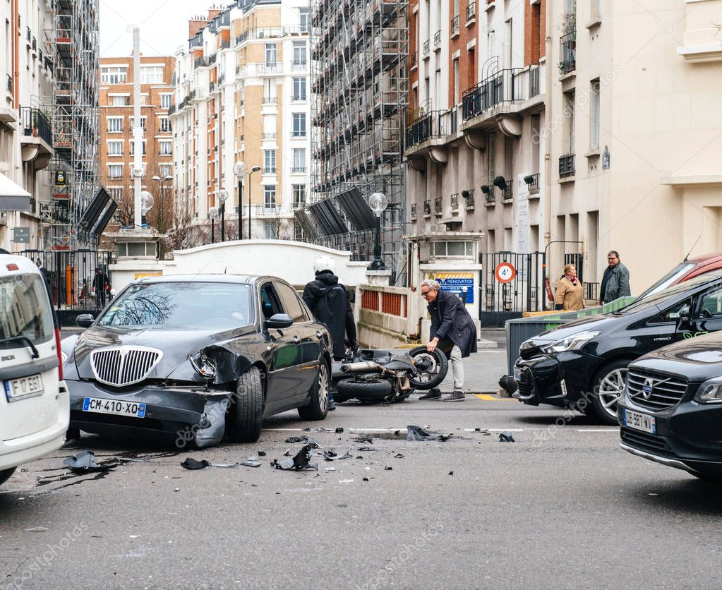 ipastock paris france jan 30 2018 car accident on paris street on rue de courcelles. Black Bedroom Furniture Sets. Home Design Ideas