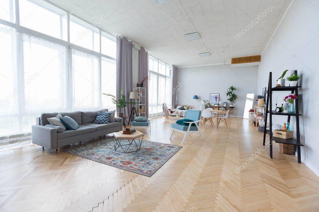 Ipastock arredamento moderno di studio appartamento con mobili colorati - Mobili colorati design ...