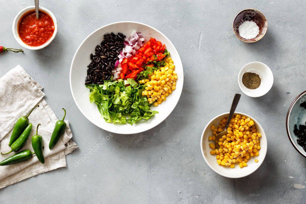 Ipastock gli ingredienti per cucinare tacos vegetariani for Cucinare jalapenos