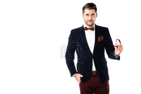 Bello uomo in giacca e cravatta con...