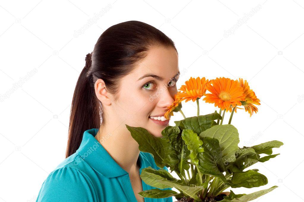 Ipastock donna sorridente con fiori gerber for Fiori gerbere