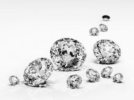 gioiello di diamante isolato
