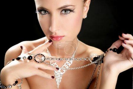 Ambizione e avidità nella moda don...